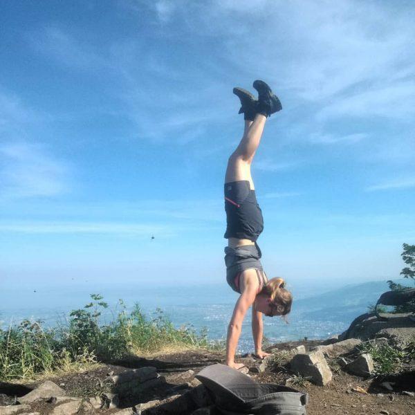 #staufenspitze #morninghike #handstand #mehrgehtnicht #echtnicht #vorderhitze #trotzdemwarm😂 #herrlich #auspowern #traumtägle #wunderschönes #vorarlberg 🏞☀💪