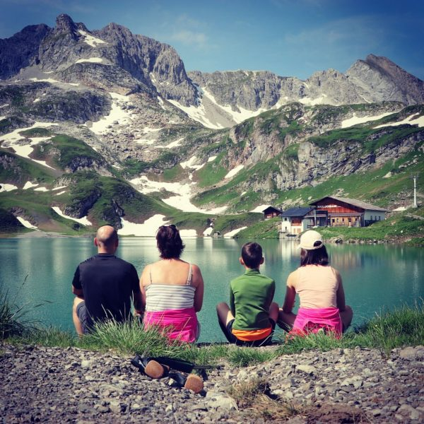 My favorite place in Lech 😍 #lech #lechamarlberg #mylechzuers #daslechparadies #visitvorarlberg #visitaustria #zuersersee ...