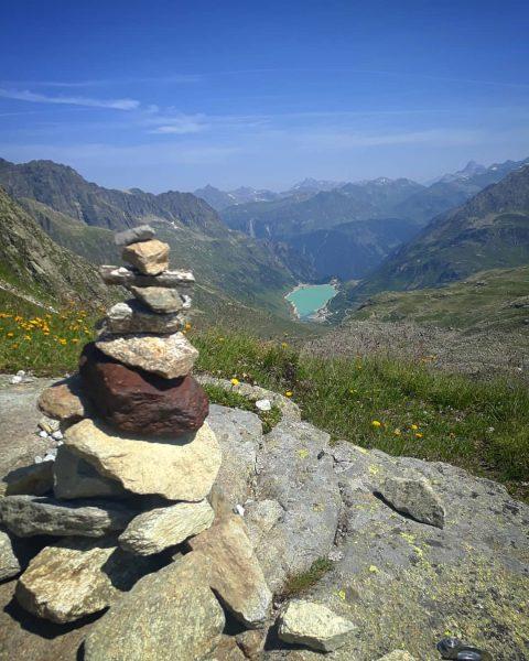 Vermuntsee, Silvretta #saarbrücknerhütte #silvretta #vermuntstausee #illwerke #bielerhöhe #steinmännchen #bergwelten #alps #climbing #hiking #litzner ...