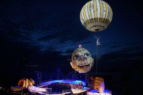 Die Bregenzer Festspiele sind eröffnet. Die Premiere von Rigoletto läuft. Wir freuen uns ...