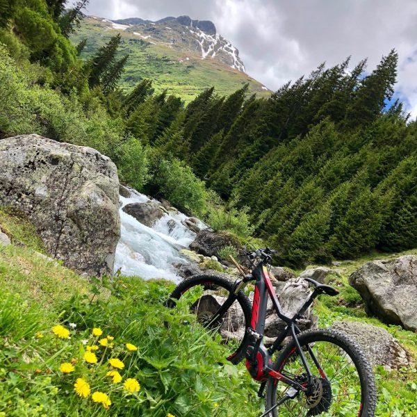 ADVENTURETIME: Mit dem Bike ins schöne Verwall Tal! Die Berglandschaft ist einfach beeindruckend ...