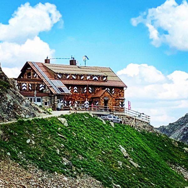 #saarbrückerhütte #montafon #silvrettamontafon #meinmontafon #alpen #alps #berge #wandern #bergwandern #hiking #outdoors #summer #vorarlberg ...