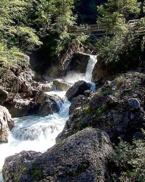 #bürserschlucht #bürserberg #brandnertal #vorarlbergwandern #footbath #hiking #waterfall #canyon Bürser Schlucht