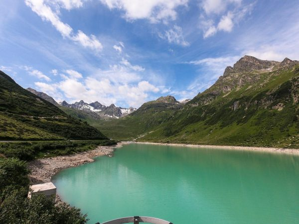 😍 mountainlakes ... getting up there can be easy (using your car) or ...