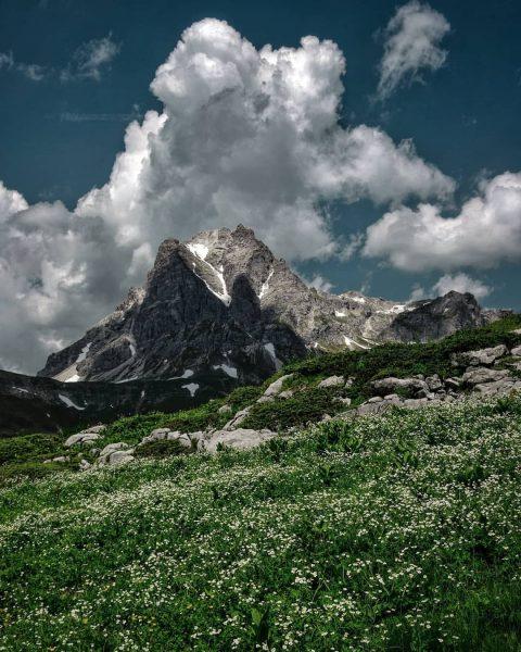 Widdersteien . . . . . #widderstein #großerwidderstein #visitvorarlberg #visitbregenzerwald #warthschröcken #ländle #vorarlbergwandern ...