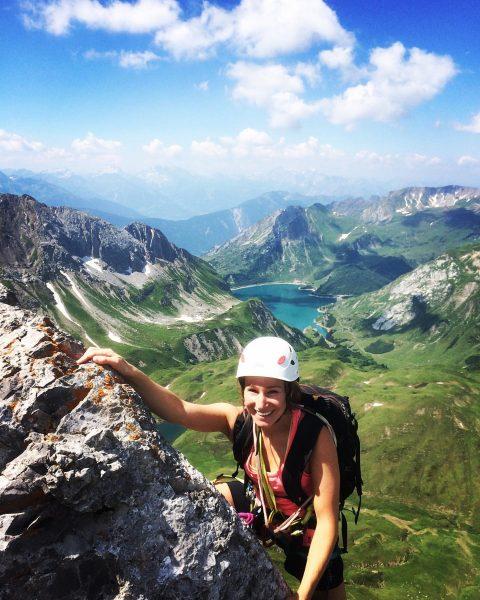 Die schneidige Nordkante der Roggalspitze mit Blick zum Spullersee #bruggerbergsport #hzsg #lech #nichtnurimwintergeil Lech, Vorarlberg, Austria
