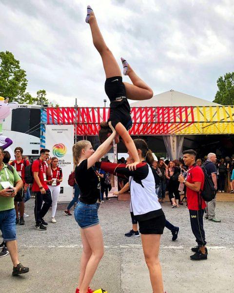 #acrobatica #gymnasticshoutouts #gymnastic #gymnastic #gymnasticsforlife #girls #gymnastica #yogalife #yogainspiration #yogalifestyles #yoga #turnen #sports ...