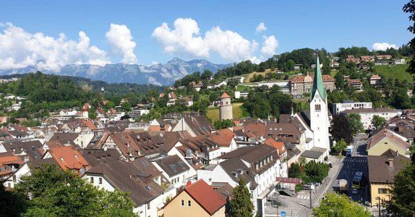 Aussicht von der Schattenburg. #schattenburg #view #aussicht #katzenturm #visitvorarlberg #visitfeldkirch #hotelweisseskreuz #whataday #whataview ...