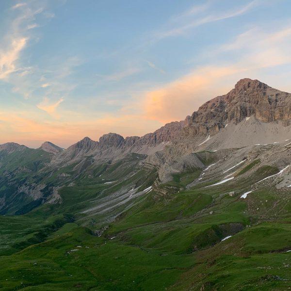 Lechtaler Alps ⛰🙌🏼🌄 • #hüttentour #hiking #bergtour #bergsteigen #outdoor #outsideisfree #gearupgetout #wandern #alpen ...