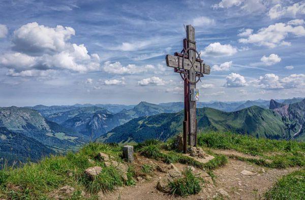 Go where you feel most alive...☺️ #zafernhorn #damüls #faschina #grosseswalsertal #vorarlberg #myvorarlberg #austria ...