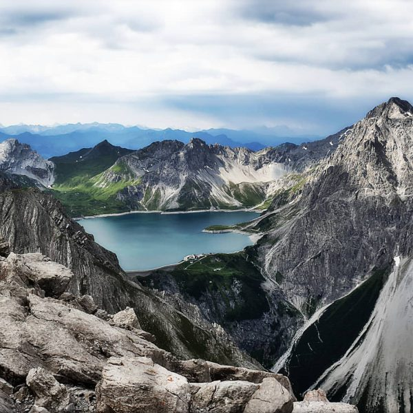 #lünersee #luenersee #saulakopf #stausee #douglasshütte #vorarlberg #visitvorarlberg #üsrländle #vandans #reservoir #berge #mountains Saulakopf