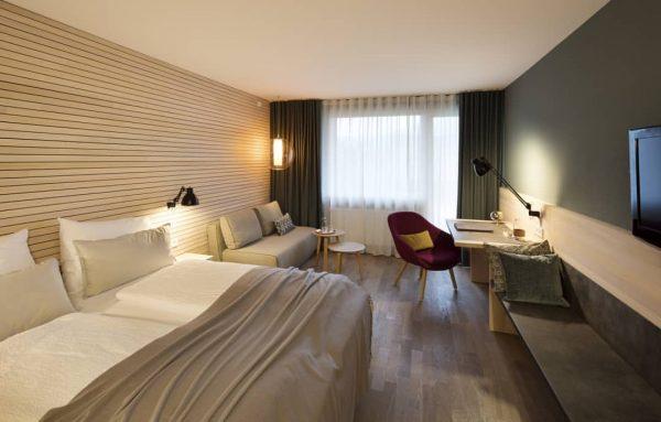 Unsere gemütlichen Superior-Zimmer laden zum Verweilen ein. ☺️ #cozy #hotellife #hotelweisseskreuz #superior #room ...