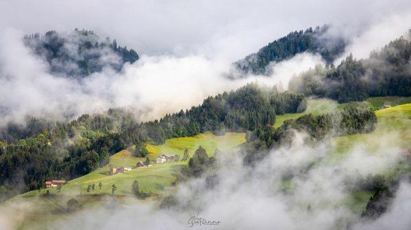 𝑼𝒊𝒕𝒆𝒊𝒏𝒅𝒆𝒍𝒊𝒋𝒌 𝒉𝒆𝒆𝒇𝒕 𝒅𝒆 𝒛𝒐𝒏 𝒈𝒆𝒘𝒐𝒏𝒏𝒆𝒏 ☀️ #austria🇦🇹 #großwalsertal #raggal #landscapephotography #visitvorarlberg #urlaub #zoomnl ...
