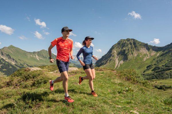 Matthias Reiner @reiner.matthias.running und Anja beim Trail Personal Shooting am Furkajoch in Österreich ...
