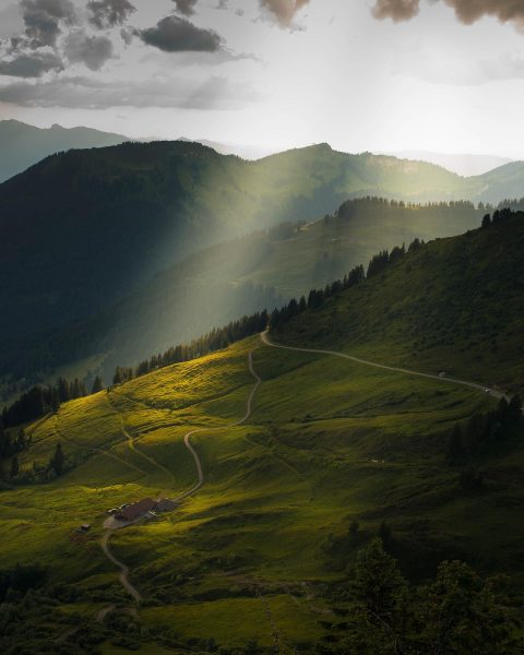 Stunning light from Furkajoch in Austria this makes every photographer happy❗️ ....enjoy 👁🗨💯 ...