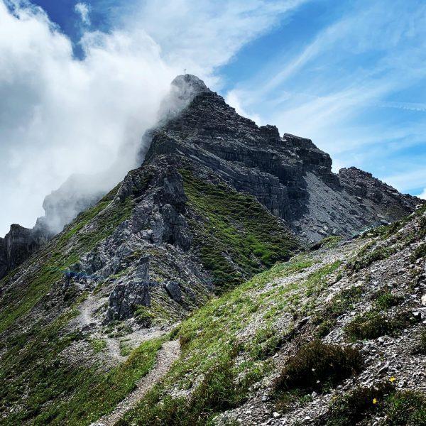 Das Ziel liegt nicht auf dem Gipfel sondern in Tale wo der Aufstieg ...
