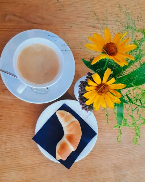 Ein Frühstück im Ernele adelt jeden noch so wolkenverhangenen Morgen... #romantikhoteldasschiff #hotel #dasschiff ...