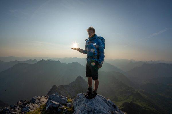 📸 @ange_schnei Yesterdays sunrise 🌄 . . . . #mountains #mountainlife #climbing #mountainlove ...