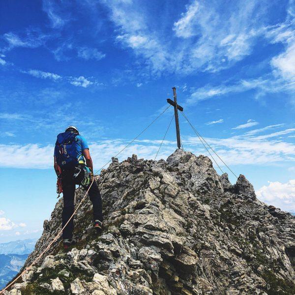 Zimba 2643m 🏔 . . . . . . #zimba #rätikon #montafonermatterhorn #heinrichhueterhütte ...