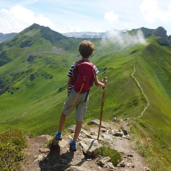 On top of the world #ratikon #silvrettamontafon #vorarlbergwandern #lindauerhütte #kreuzjoch #huttentocht #huttentochtmetkinderen #oostenrijk ...