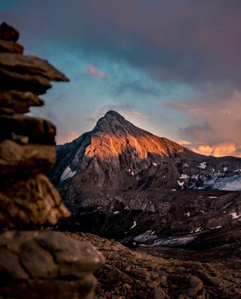 Abendstimmung an der Mannheimer Hütte 2.679m 🏔 . 📷@best.mountain.artists . #mannheimerhütte #schesaplana #brandnertal ...