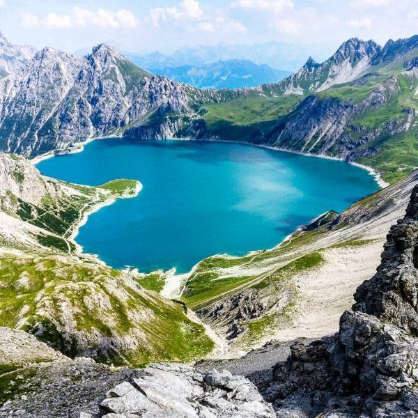 love. the. mountains. 💙 #lünersee #vorarlberg . . . #gamsluggen #naturjuwel #rätikon #brandnertal ...