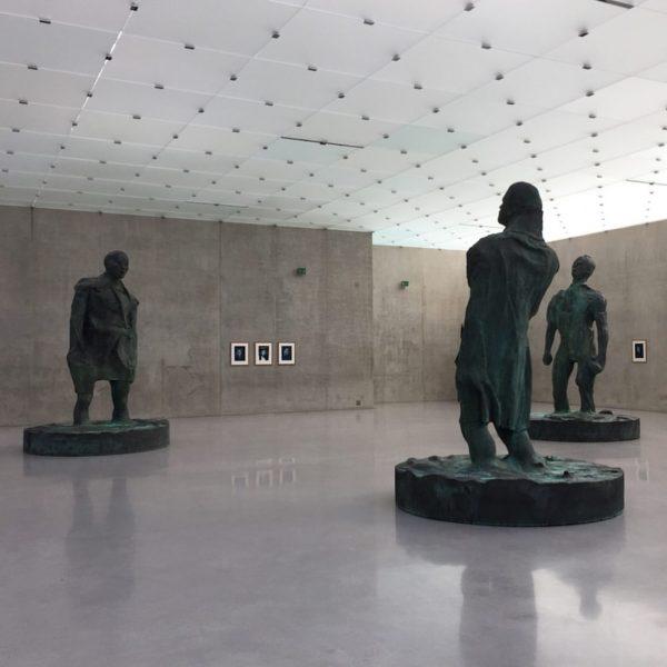 #thomasschuette #kunsthausbregenz #KUB #sculptures #visitbregenz #meninmud #mannimwind #contemporaryart #artmuseum #peterzumthor #bregenz #visitingfriends #culturetrip ...