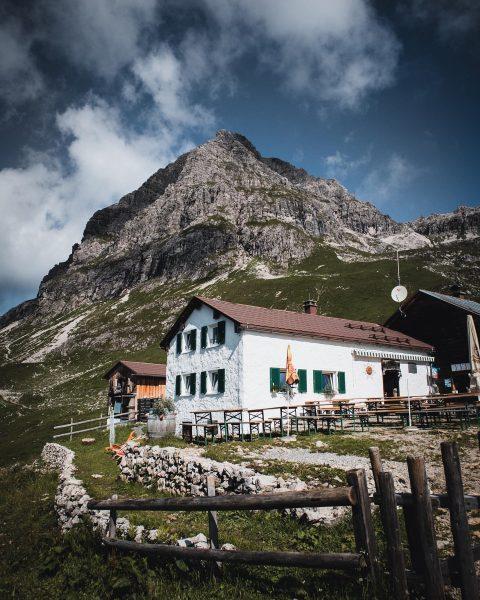 Take a break. _______________________________________________________ #mountains #nature #canon #canoneosm50 #vorarlberg #bregenzerwald #widderstein #roamtheplanet #heimat ...