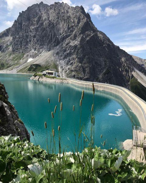 Proud to be an austrian 🇦🇹 #Lünersee #lünerseebahn #stausee #luenersee #brandnertal #nofilter #nature ...