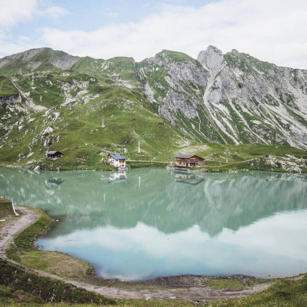 So siehts am Zürser See also ohne Skifahrer aus. Ziemlich gut für einen Platz mitten im Skigebiet,...