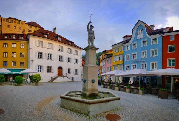 🇦🇹 . 📸 @feldkirch.at . #schattenburg #feldkirch #vorarlberg #österreich #austria #visitaustria #austriatoday #vscoaustria ...