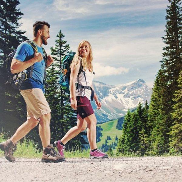 Wandern ist gut für Körper und Seele. Es befreit dich und lässt dich ...