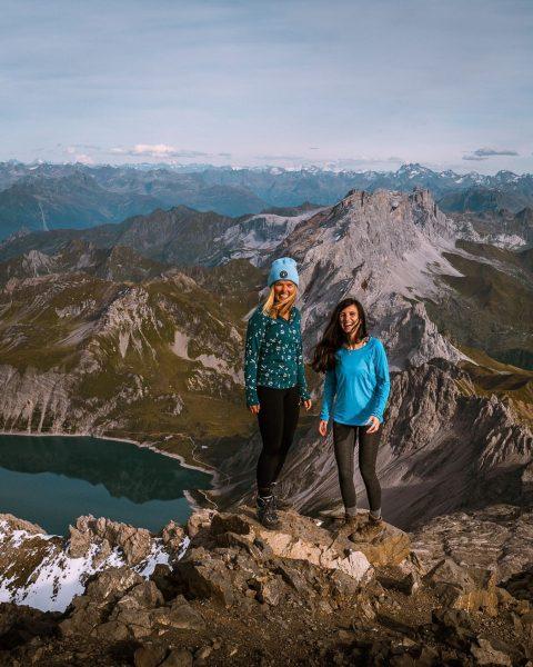 Happy hikers🏔 . . . #hiking #schesaplana #whereaustriameetsswitzerland #austrianmountains #swissmountains #alps #mothernature #mountains ...