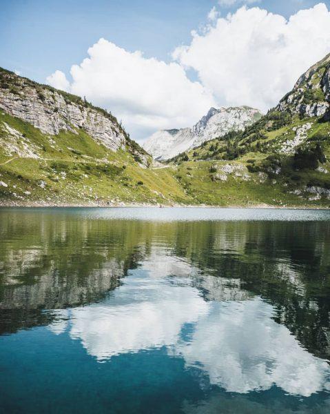 """Die zweite Wanderung durchs alpine @klostertal führte uns über den """"Stebok Wäg"""" (🐐) ..."""