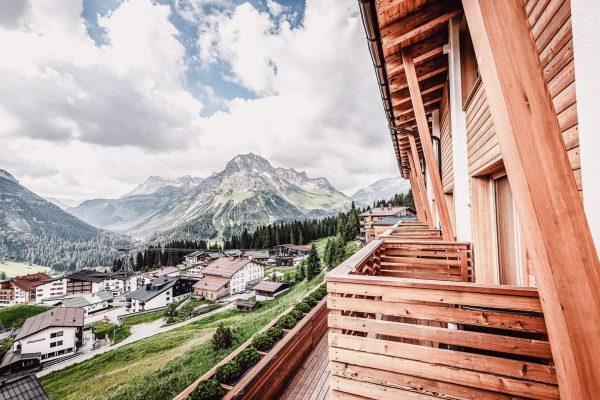 DER HERBST... ...lädt zum Wandern am Arlberg und zum Genießen bei uns ein! ...