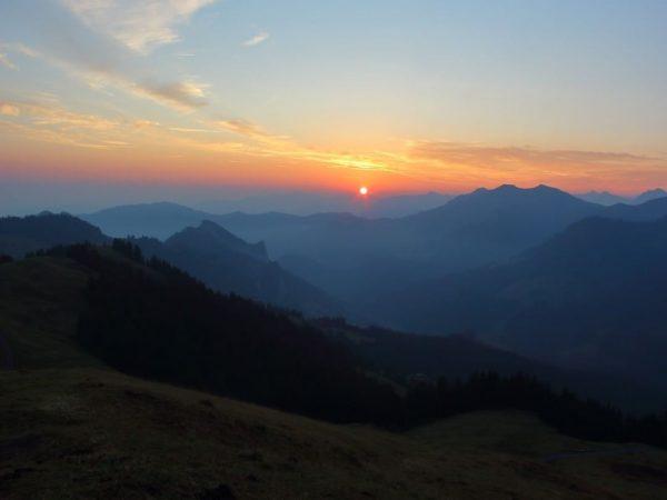 Sonnenaufgang Hohe Kugel, Vorarlberg, Austria #hohekugel #mountainlovers #ebnit #vorarlberg #sonnenaufgang #fraxern #hohenems #millrütte