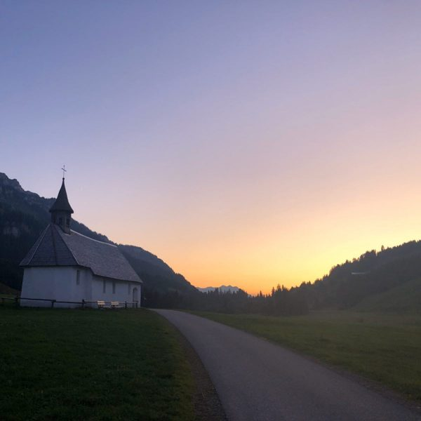 The Chapel #bizau #mountainview #schönenbach #chapel #photography #photographer #picoftheday #meinvorarlberg #bregenzerwald #photoart #kapelle ...