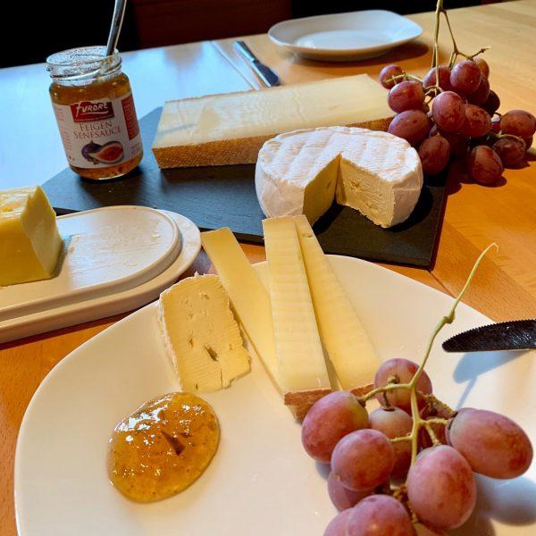 """Guter Käse 🧀 geht bekanntlich immer! 👉 So spielt unser """"Hittisauer Bergkäse"""" natürlich ..."""
