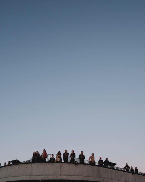 Der Himmel ist das Limit. 🌫 Foto: Ian Ehm // friendship.is #whatthefaq #faqbregenzerwald ...
