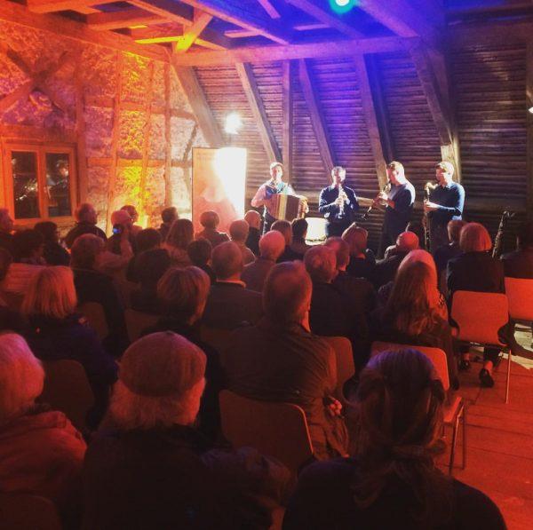 Faltenradio im alten Gericht #septimo #montafonerresonanzen #montafon #faltenradio