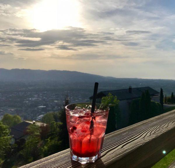 #cocktail #schönerausblick #tagausklingenlassen #3länderblick Hotel Restaurant Dreiländerblick Dornbirn