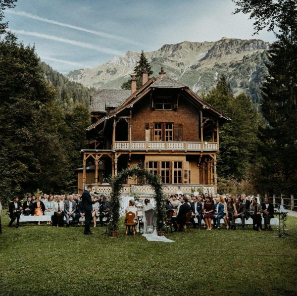 getting married in a old huntinglodge? check out this awesome location.. full story ...
