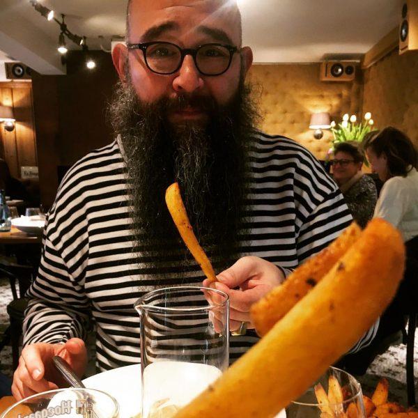 #themotherofallfries #handmade #schmackofatz #sizematters #gönnung #mahlzeit Petrus Café Brasserie
