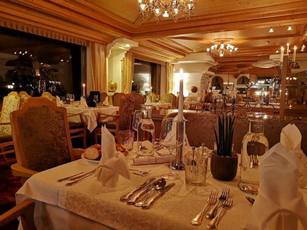 Bereit für das Abendmenü! 😋 #urlaubindenbergen #winter #winterurlaub #skiurlaub #dinnertime #cusine #enjoy #dinner ...