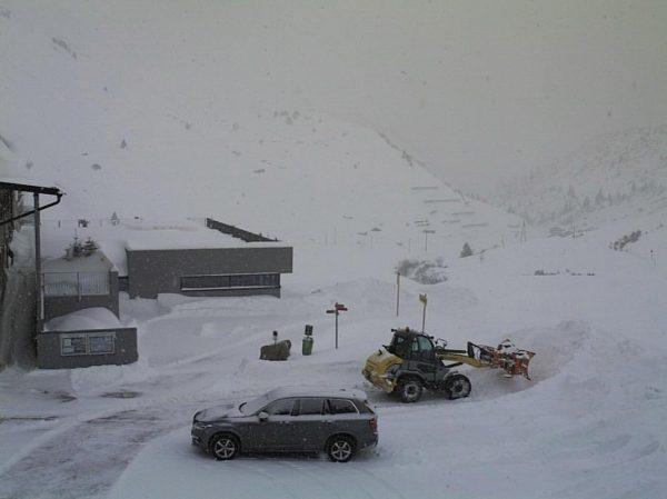 🦅 ❄️⛄️WHITEOUT⛄️❄️ ✨wir sind eingeschneit ✨ ❌Straßensperre der L200 von Schoppernau bis zum ...