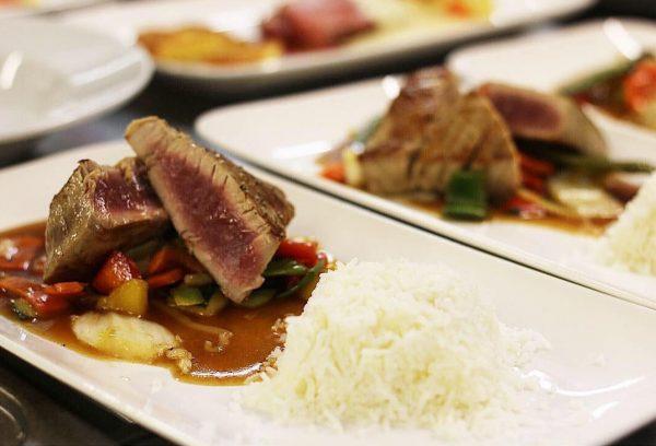 🦅 ein kleiner Auszug aus unserem heutigen Abendmenü 👨🏻🍳 Thunfischsteak, Asia-Gemüse, Teriyaki und ...