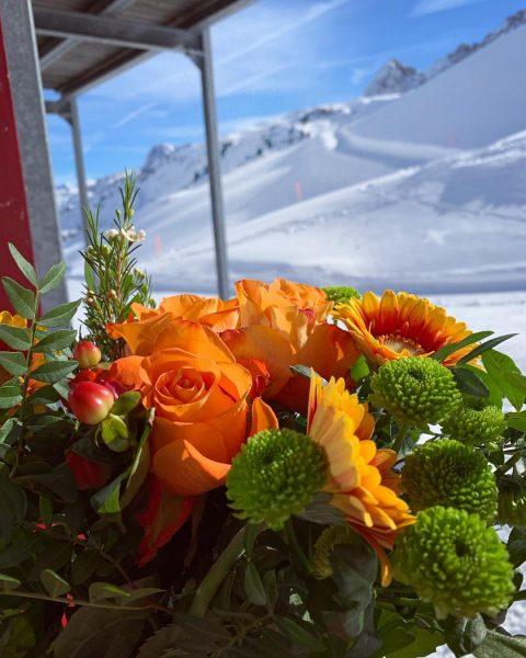 🦅 HAPPY VALENTINES DAY ❤️ #naturkino #beiunsfindetderwinterstatt #happyday #vday #hochtannbergpass #love #warthschröcken #hoteladlerwarth ...