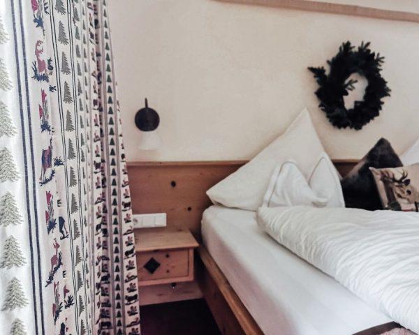 There's nothing like a comfortable bed...find your #soulmattress at #montanaoberlech 💞 #montanaoberlech #oberlech ...