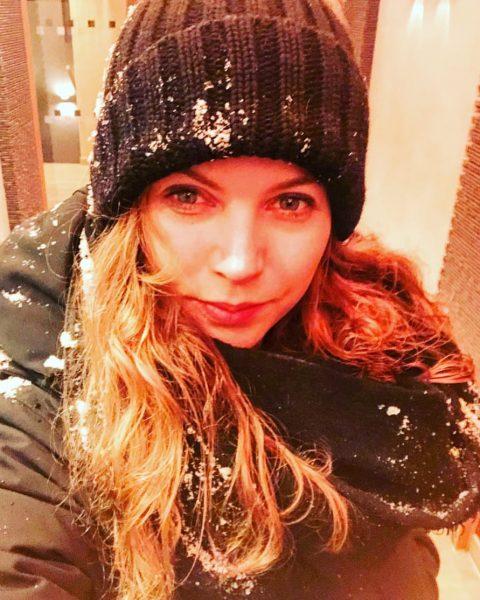 Eine kleine Schneeballschlacht versüßt doch jeden Abend ❄️☃️ #schneeballschlacht #schneemann #lastnight #vaction #lech ...