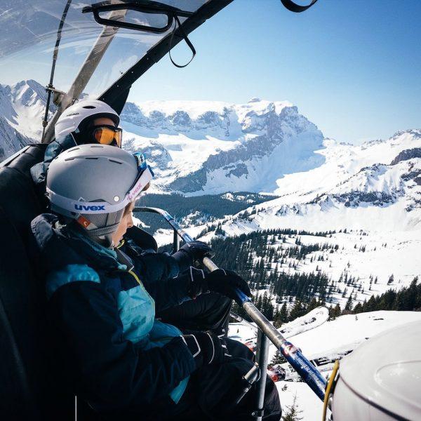 Mountain view 🇦🇹 Ein letzter Blick vom Skilift auf die verschneiten Berge. Und ...